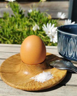 Æggebæger i egetræ